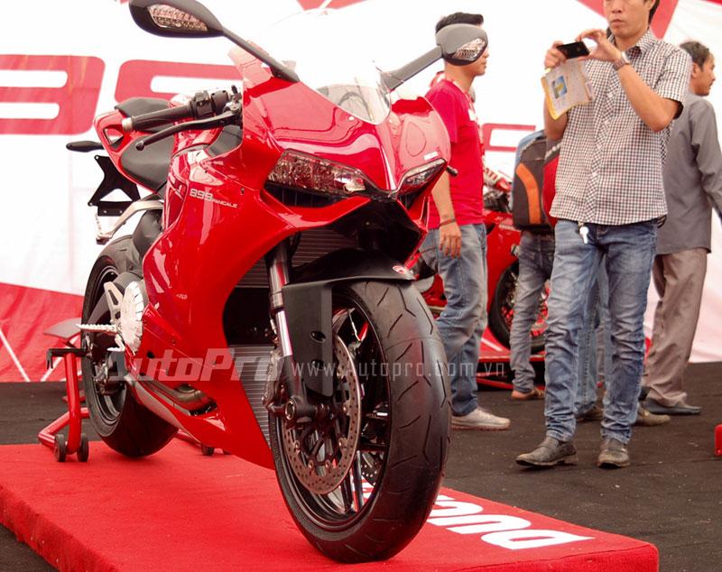 Ducati 899 Panigale đã đến Việt Nam.