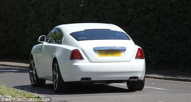 Rolls-Royce Wraith màu trắng muốt mới của đội trưởng Chelsea.