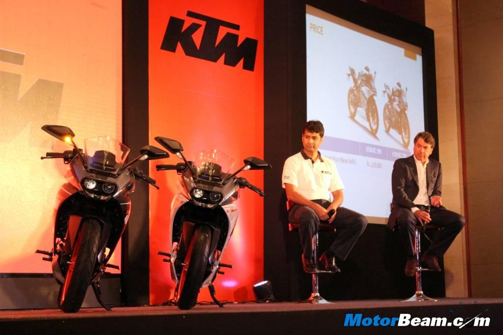 Cặp đôi môtô giá rẻ mới tại Ấn Độ.