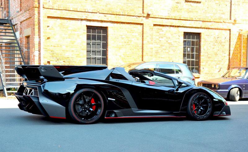 Chiếc Lamborghini Veneno Roadster đầu tiên đến tay khách hàng.