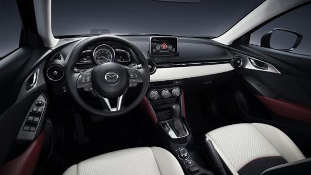 Nội thất của Mazda CX-3 khá gọn gàng.