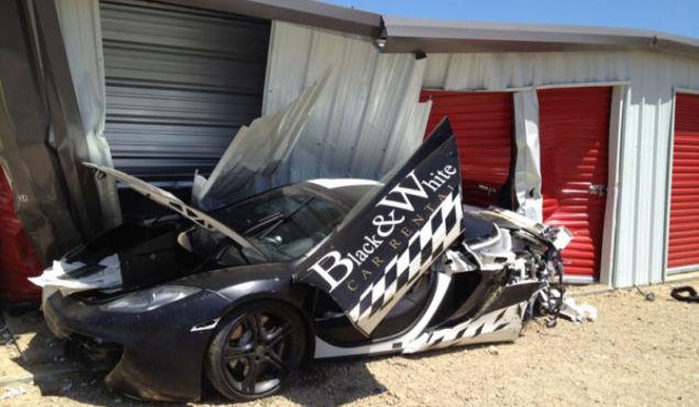 Chiếc siêu xe McLaren 12C bị phá nát của ông Chen.