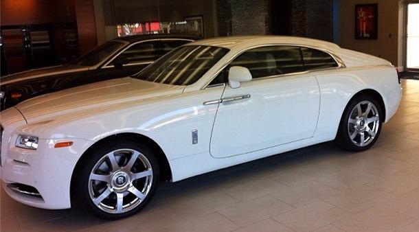Chiếc Rolls-Royce Wraith màu trắng của Mayweather.
