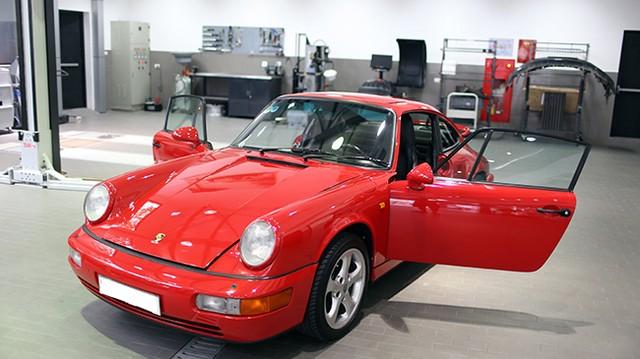 Porsche 911 Carrera 4 nguyên bản sau 25 năm hoạt động tại Việt Nam.