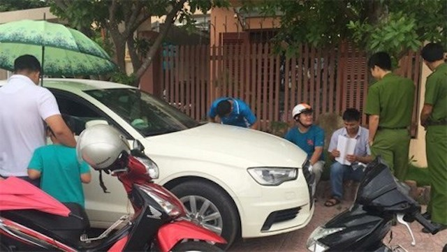 Quảng Bình: Audi A3 bị trộm đập vỡ kính lấy sạch tiền, giấy tờ - ảnh 2