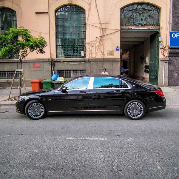 Mercedes-Maybach S600 dài hơn đáng kể so với S-Class tiêu chuẩn. Ảnh: Instagram/TNTBros