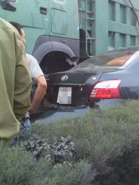 Chiếc Toyota Vios đi ngược chiều nên va chạm với ô tô tải (Ảnh: Chàng Trai Song Tử/Otofun).