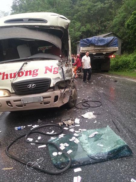 Hiện trường vụ tai nạn (Ảnh: Facebook/Ngất Châm).