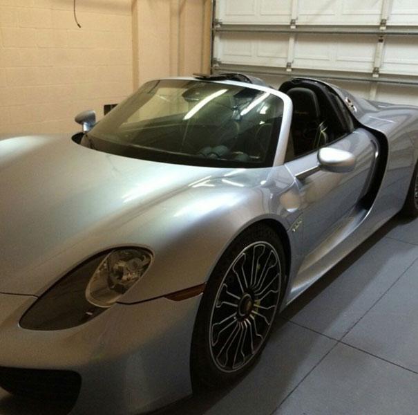 Siêu xe Porsche 918 Spyder của cụ bà 70 tuổi.