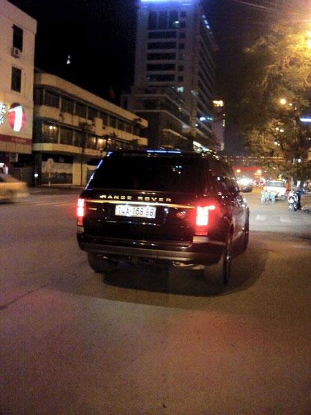 Một chiếc Range Rover Autobiography LWB khác đeo biển số khá đẹp tại Quảng Ninh (Ảnh: Facebook/Siêu xe đặt chân lên đất Quảng Ninh).