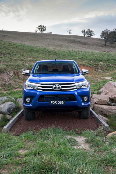 Toyota Hilux thế hệ mới