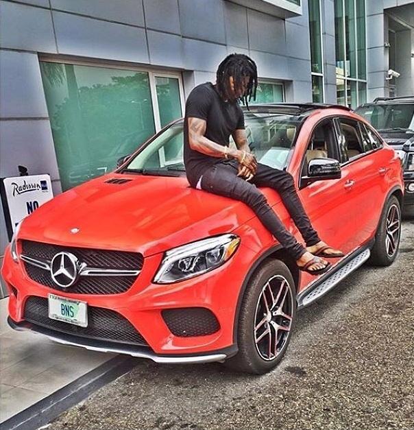 Hội con nhà giàu Nigeria cũng đua nhau khoe xe sang trên mạng - Ảnh 4.