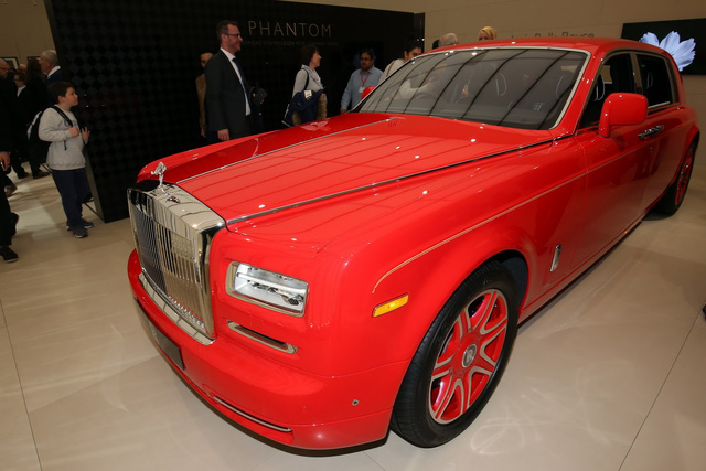 Chiếc Rolls-Royce Phantom Louis XIII Special Edition đầu tiên được ra mắt ông Hung trong triển lãm Geneva 2016.