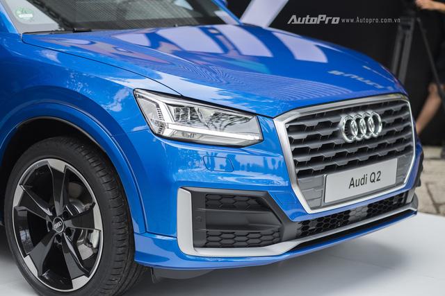 Để đảm bảo an toàn cho hành khách, Audi Q2 cũng được trang bị đầy đủ các tính năng như hệ thống phanh đĩa 312 mm trước và 272 mm sau, cân bằng điện tử ESC hay chống bó cứng phanh ABS.
