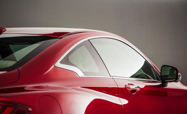 Hiện chưa có giá bán chính thức của mẫu Infiniti Q60 Coupe V6 tại Việt Nam. Trong khi đó, tại thị trường nước ngoài, xe có giá bán từ 39.855 đến 54.205 USD tùy theo phiên bản.