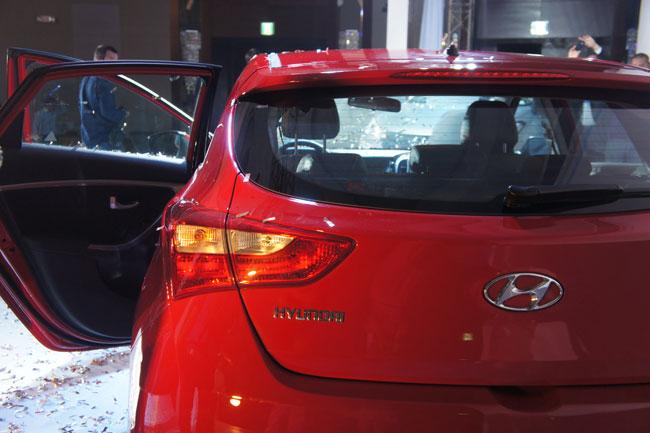 Hyundai i30 2013 giá từ 758 triệu đồng 8