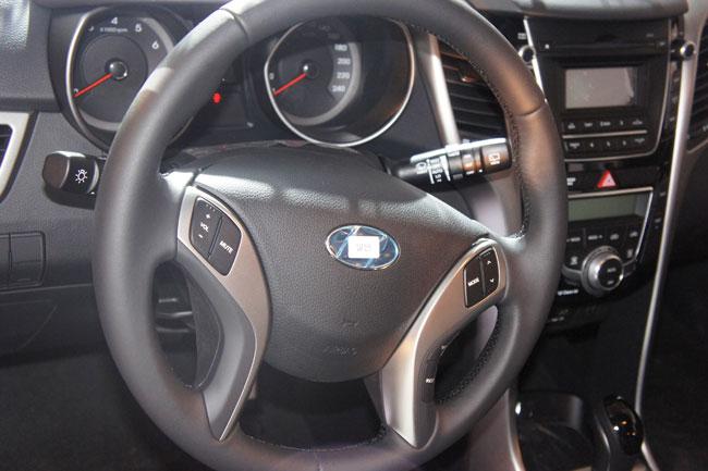 Hyundai i30 2013 giá từ 758 triệu đồng 9