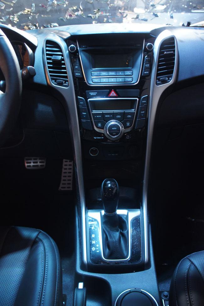 Hyundai i30 2013 giá từ 758 triệu đồng 10