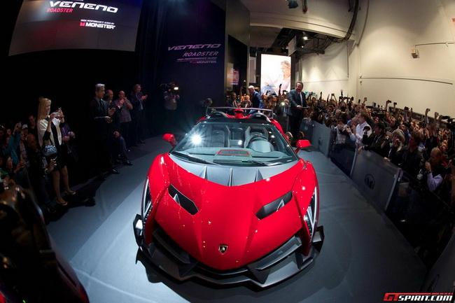 Mượn siêu xe đắt nhất thế giới để khoe loa tại CES 2014 1