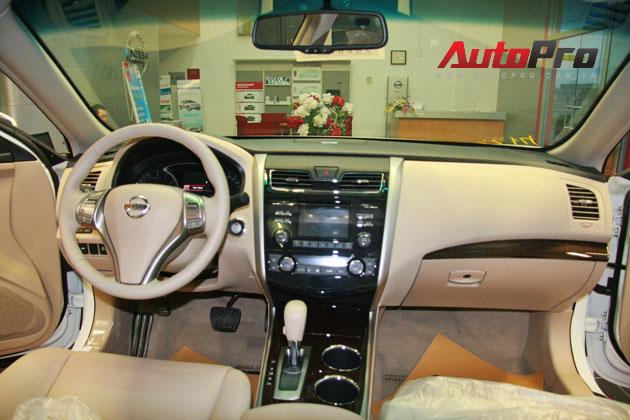 Nissan Teana 2013 màu trắng đầu tiên xuất hiện với giá 1,4 tỷ đồng 7