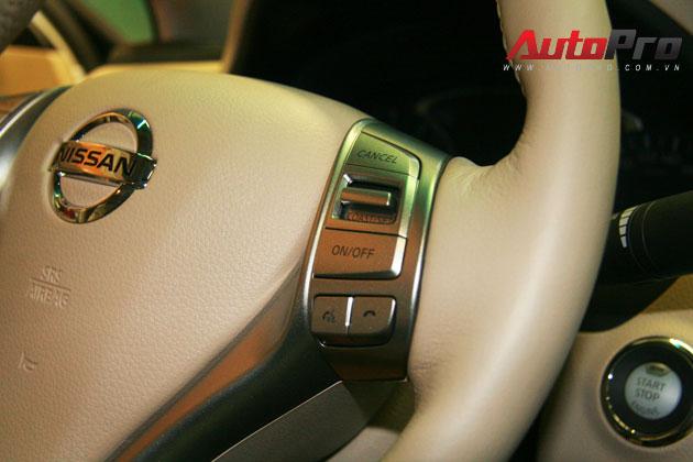 Nissan Teana 2013 màu trắng đầu tiên xuất hiện với giá 1,4 tỷ đồng 10