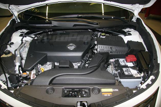 Nissan Teana 2013 màu trắng đầu tiên xuất hiện với giá 1,4 tỷ đồng 13