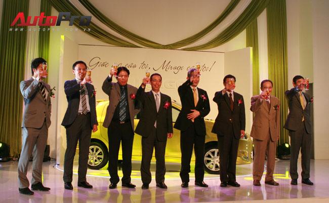 Đã có hơn 100 khách hàng Việt đặt mua Mitsubishi Mirage 1