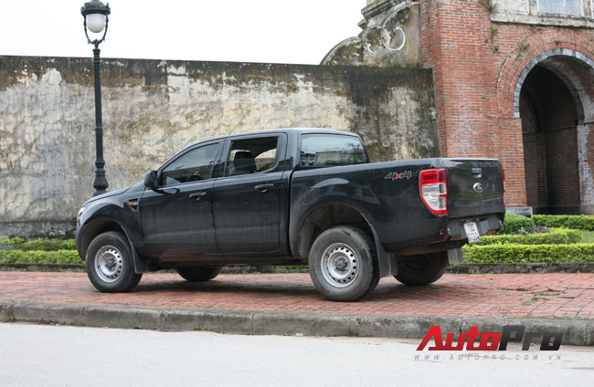 Cảm nhận Ford Ranger 2013 trên hành trình về thăm đại tướng Võ Nguyên Giáp 9