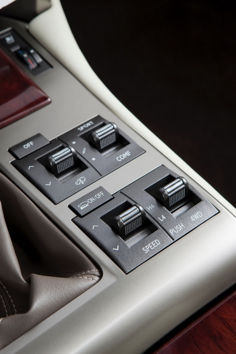 Lexus GX 2014: Diện mạo mới, giá rẻ hơn 12