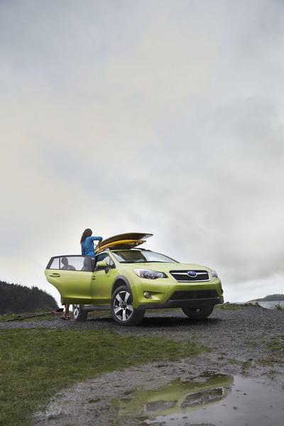 Subaru XV Crosstrek Hybrid có giá từ 25.995 USD 2