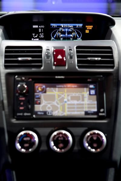 Subaru XV Crosstrek Hybrid có giá từ 25.995 USD 6