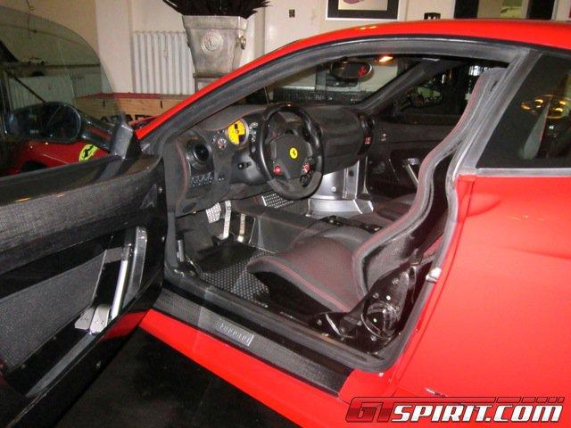 Siêu xe Ferrari 430 Scuderia của Michael Schumacher được rao bán 7