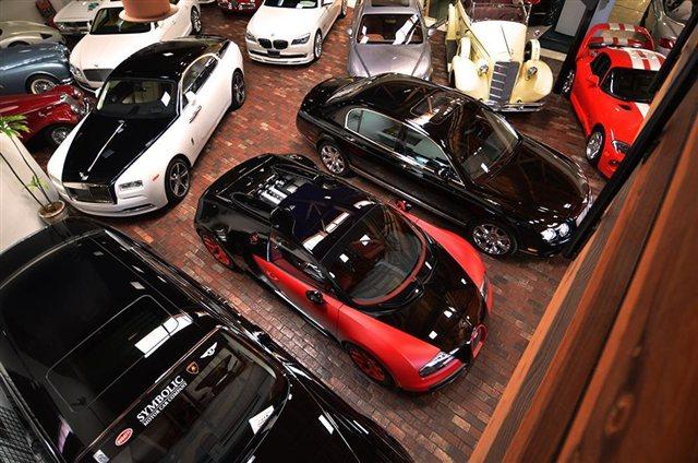"""""""Rao vặt"""" siêu xe Bugatti Veyron Grand Sport Vitesse màu độc tại Mỹ 5"""