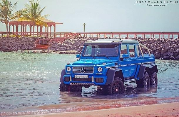 Mercedes-Benz G63 AMG 6x6 tắm ở Biển Đỏ 1