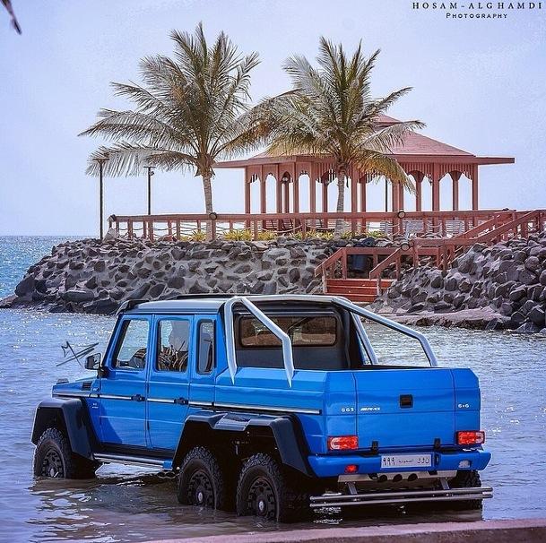 Mercedes-Benz G63 AMG 6x6 tắm ở Biển Đỏ 3
