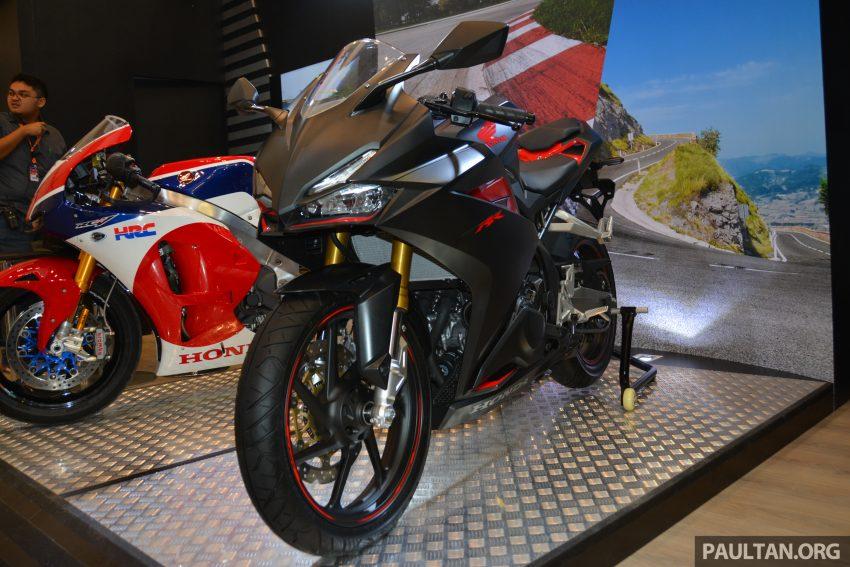 Honda CBR250RR màu đen mờ