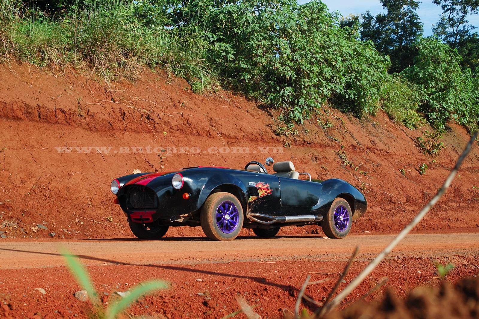 Shelby Cobra 427 có thể sẽ được Văn Kim rao bán qua đó lấy kinh phí tạo ra chiếc Shelby Cobra thứ 2 được cho ấn tượng hơn.