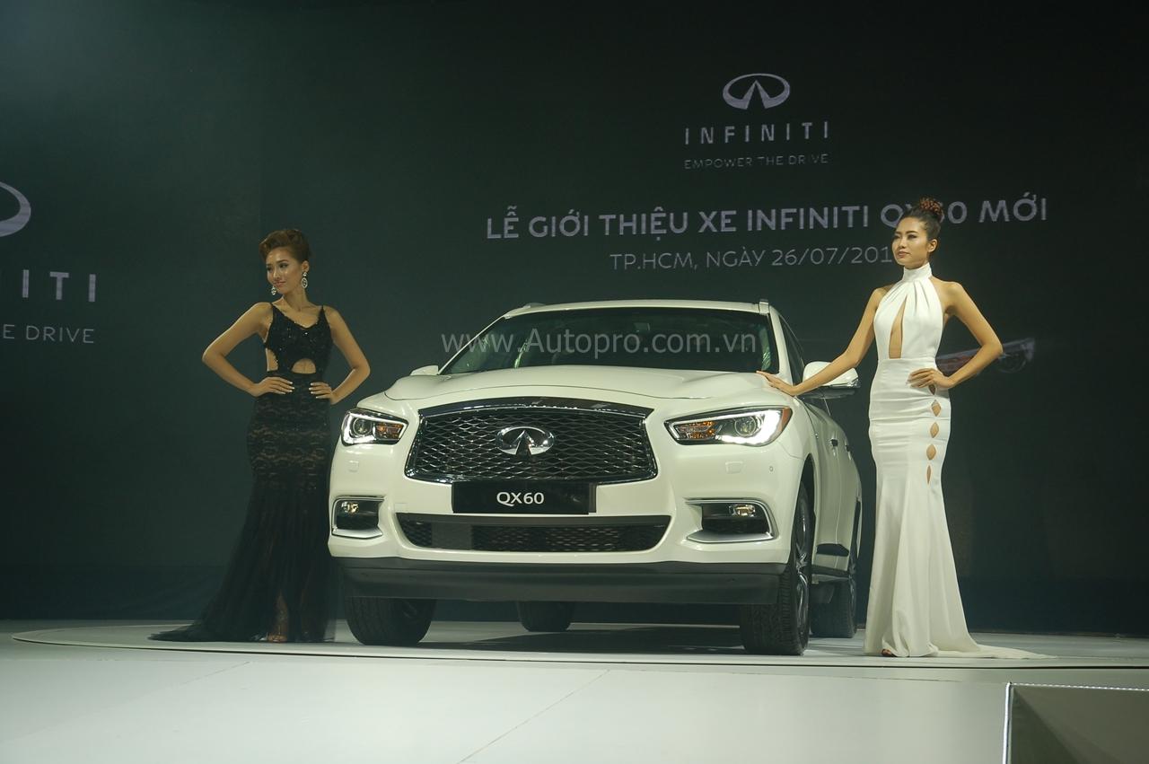 Phiên bản nâng cấp của chiếc crossover hạng sang Infiniti QX60 2016 vừa chính thức trình làng đến các khách hàng Việt vào tối ngày 26/7.