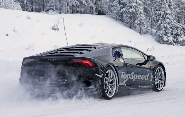 Rất có thể phiên bản mạnh mẽ Superleggera của Lamborghini Huracan sẽ xuất hiện tại triển lãm Paris 2016 diễn ra trong tháng 10 tới đây. Ảnh: Top Speed.