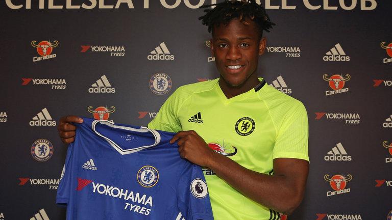 Michy Batshuayi là tiền đạo mới đầu quân cho Chelsea.