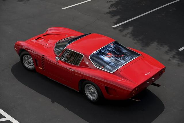 Iso Grifo đời 1965 là một cái tên khá lạ nhưng lại được kỳ vọng với mức giá từ 1,3 - 1,5 triệu đô. Lý giải cho mức giá này thì chúng ta phải tìm hiểu nguồn gốc của chiếc xe khi mà đây là mẫu xe giới hạn với chỉ 20 chiếc được sản xuất. Bên cạnh đó, xe còn được trang bị động cơ V8 và hộp số sàn 4 cấp cùng khả năng sản sinh công suất 400 mã lực.