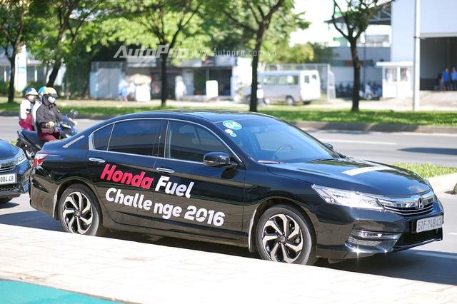 Honda trang bị nhiều tính năng mới khiến những chiếc xe như Honda Accord hay Honda Odyssey có khả năng tiết kiệm nhiên liệu khá ấn tượng.