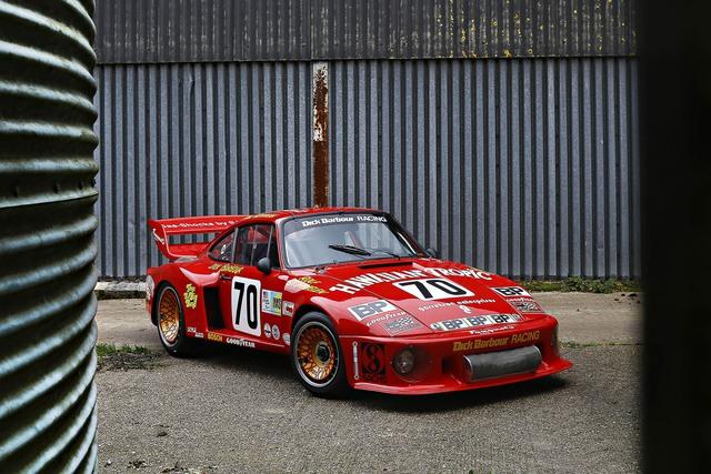 Chiếc Porsche 935 đời 1979 của tay đua Paul Newman cũng là một chiếc xe có thành tích khi đã từng chiến thắng giải Daytona và Sebring 24h và về nhì trong giải đua 24 Hours of Le Mans. Chiếc xe này sở hữu động cơ 6 xi-lanh cùng công suất tối đa 759 mã lực. Chiếc xe dự kiến sẽ được bán khoảng từ 4,5 - 5,5 triệu đô.