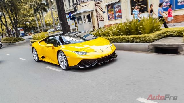 Lamborghini Huracan màu vàng chính thức về tay của doanh nhân Cường Đô la hồi đầu tháng 5 vừa qua.