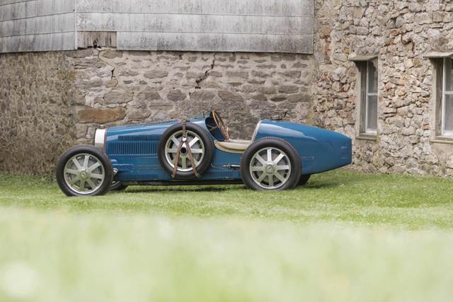 Chiếc xe Bugatti Type 51 Grand Prix Racing đời 1931 này sở hữu động cơ 8 xi lanh với hộp số sàn 4 cấp.