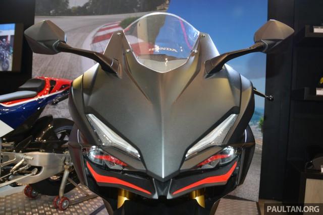 Honda CBR250RR tạm thời không có phiên bản màu Repsol.