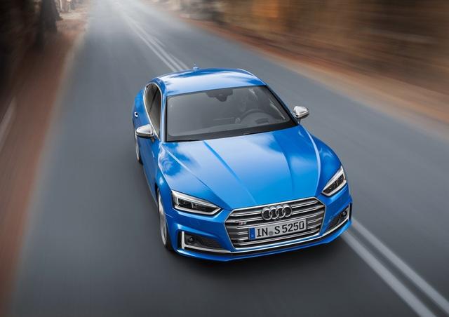 Tùy thuộc vào động cơ, Audi A5 Sportback 2017 sẽ sử dụng hệ dẫn động cầu trước hoặc 4 bánh toàn thời gian. Các động cơ trên sẽ kết hợp với hộp số sàn 6 cấp, ly hợp kép 7 cấp hoặc ly hợp kép 8 cấp.