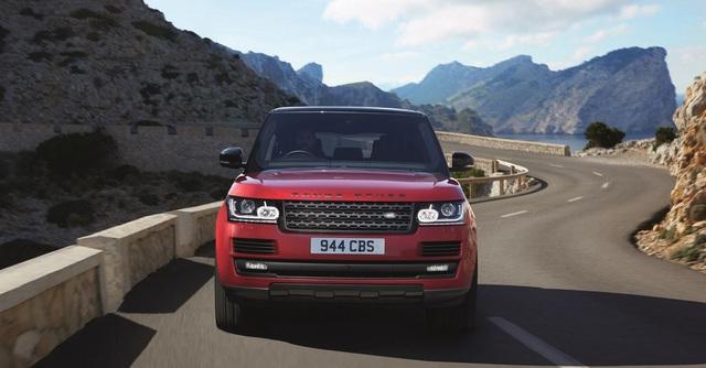 Chưa hết, hãng Land Rover còn bổ sung một phiên bản mới cho Range Rover SVAutobiography mang tên Dynamic. Trái tim của Range Rover SVAutobiography Dynamic là khối động cơ V8, siêu nạp, dung tích 5.0 lít có công suất tối đa 550 mã lực và mô-men xoắn cực đại 680 Nm tương tự Sport SVR. Nhờ đó, Range Rover SVAutobiography Dynamic có thể tăng tốc từ 0-96 km/h trong 5,1 giây.