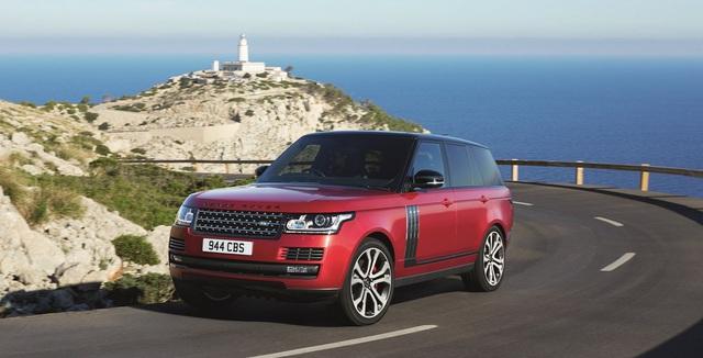 Hãng Land Rover đã công bố một số nâng cấp và động cơ mới dành cho dòng SUV hạng sang Range Rover 2017. Theo đó, Range Rover 2017 sẽ được trang bị động cơ mới là loại máy xăng V6 siêu nạp, dung tích 3.0 lít lấy từ Jaguar F-Type. Động cơ này tạo ra công suất tối đa 335 mã lực và mô-men xoắn cực đại 332 lb-ft.