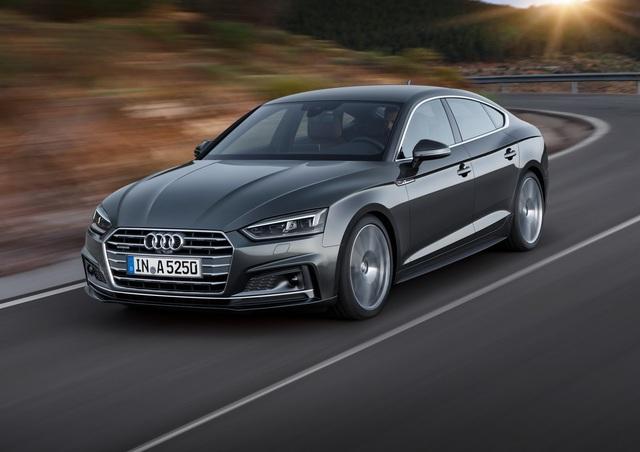 Vào hồi tháng 6/2016, hãng Audi đã công bố thông tin và hình ảnh của A5 Coupe thế hệ mới. Đến nay, hãng Audi tiếp tục giới thiệu A5 Sportback và S5 Sportback 2017 trước khi triển lãm Paris 2016 diễn ra vào ngày 28/9 tới.